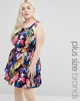 Koko Plus Printed Dress With Cut Out Back