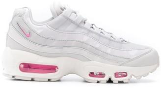 Nike 95 sneakers