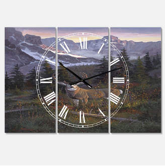 "High Country Designart Muley Large Traditional 3 Panels Wall Clock - 23"" x 23"" x 1"""