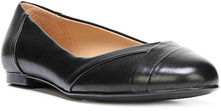 Naturalizer Gilly Flat - Women's
