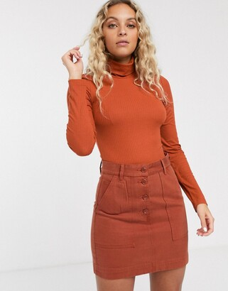Monki jersey roll neck top in orange-Red