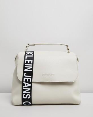 Calvin Klein Jeans Ultra Light Flap Shoulder Bag