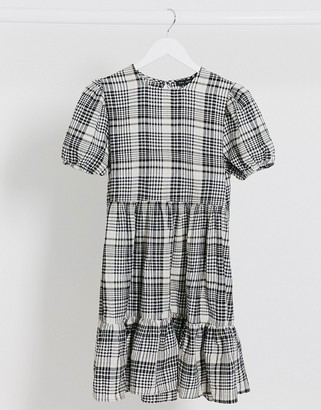 New Look crinkle tiered smock midi dress in check