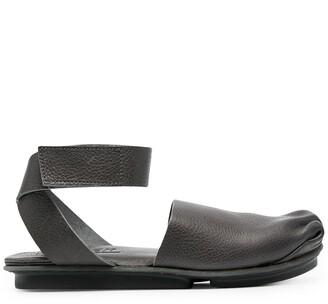 Trippen Deform ruched-detail flat sandals