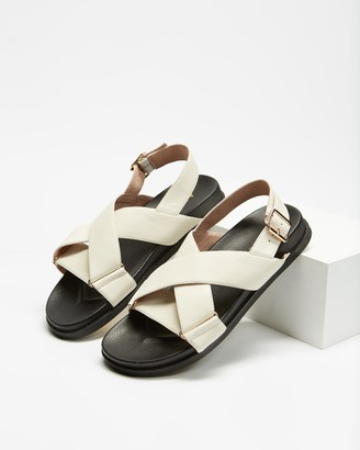 AERE - Women's White Flat Sandals - Crossover Leather Footbed Sandals - Size 5 at The Iconic