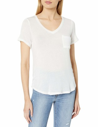 Tresics Women's V-Neck Boyfriend Tee with Front Pocket and High Low Shirt Tail Hem