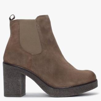 Alba Moda Beige Suede Chelsea Boots