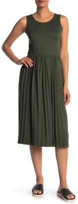 Velvet Torch Solid Pleated Jersey Midi Dress