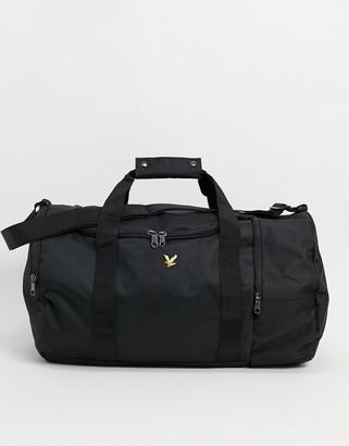 Lyle & Scott barrel bag in black