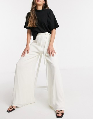In The Style x Lorna Luxe wide leg pant in cream