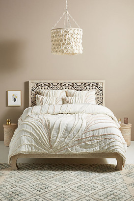 Anthropologie Cozy Tufted Milo Quilt By in White Size Q top/bed