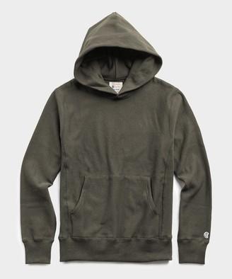 Todd Snyder + Champion Popover Hoodie Sweatshirt in Olive Drab