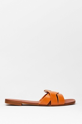 Nasty Gal Womens Don't Let It Slip Faux Leather Flat Sandals - Camel