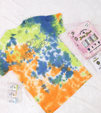 Daisy Street Plus relaxed t-shirt with Los Angeles print DIY tie dye kit