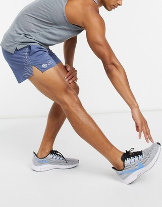 Nike Running Flex Stride 5 inch short in blue