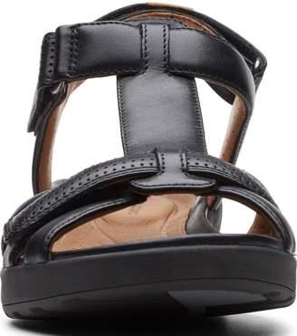 Clarks Un Adorn Vibe Flat Sandals - Black