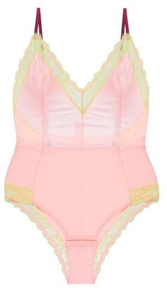 Dora Larsen Clemence Body - small