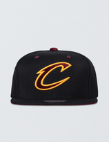 Mitchell & Ness Clevenland Cavaliers Solid Velour Logo Snapback