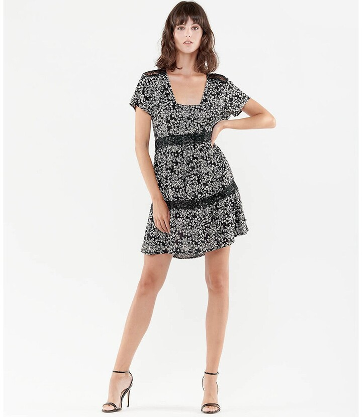 Thumbnail for your product : Le Temps Des Cerises Printed Laced Mini Dress with Square-Neck and Short Sleeves
