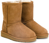 UGG Classic Short Deco boots - kids - Sheep Skin/Shearling/rubber - 26