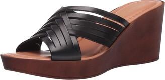 Bella Vita womens Wedge Sandal