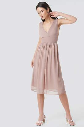 NA-KD Draped Waist V-Neck Chiffon Dress Pink