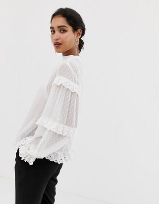 Vila dobby spot scallop edge blouse