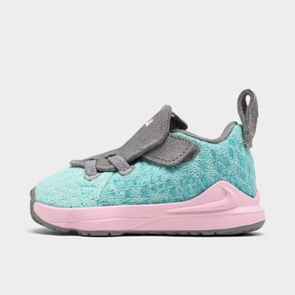 Nike Boys' Toddler LeBron 17 Basketball Shoes