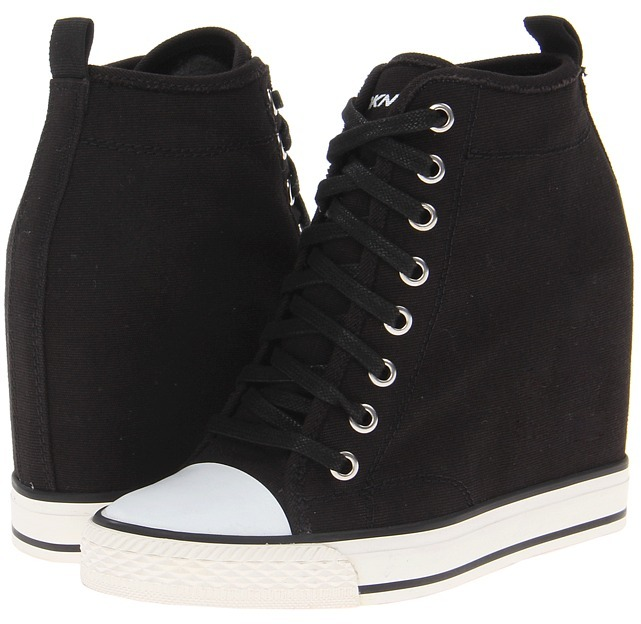 DKNY Grommet (Black/White Washed Canvas) - Footwear