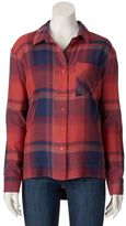 Mudd Juniors' Shirttail Hem Plaid Top