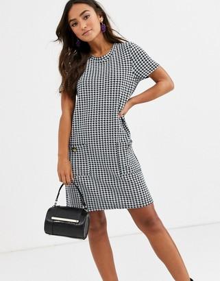 Brave Soul bree check shift dress with pockets-Black