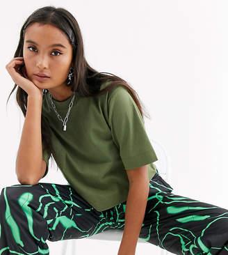 Collusion COLLUSION boxy short sleeve t shirt in khaki-Green