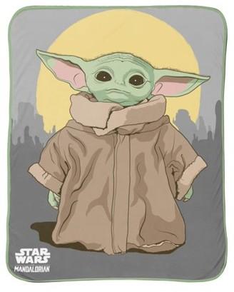 Star Wars The Mandalorian Baby Yoda 'The Child' Silk Touch Throw