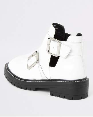 River Island Cut Out Buckle Chunky Ankle Boots - White