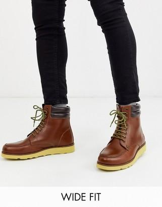 Original Penguin wide fit clondyke hiker boot in tan