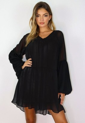 Missguided Black Tiered V Neck Mini Smock Dress