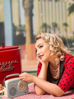 Virgin Experience Days 1950s Vintage Makeover and Photoshoot with 50 off Voucher in a Choice of Over 20 Locations