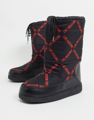 Love Moschino snow boots in black and red