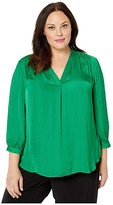 Vince Camuto Specialty Size Plus Size 3/4 Sleeve V-Neck Rumple Blouse (Everglade) Women's Clothing