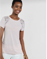 Express lace side panel tee