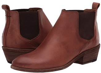 Frye Carson Chelsea (Cognac Waxed Pull Up) Women's Boots