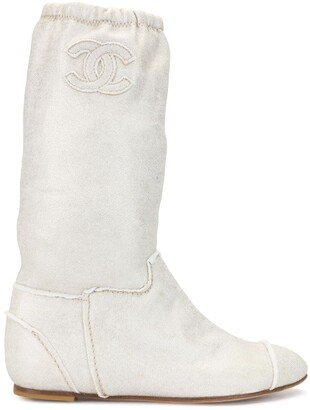 Chanel Pre Owned 2008 Almond Toe Boots