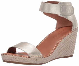 Gentle Souls by Kenneth Cole Women's Charli Ankle Strap