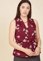 Great Gal in the Corner Office Sleeveless Top in Maroon Bloom in 3X