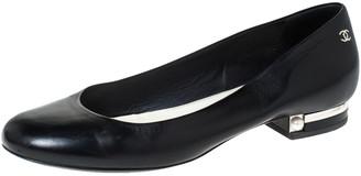 Chanel Black Leather Pearl Embellished Ballet Flats Size 39