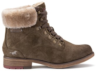 Mustang Faux Fur-Lined Ankle Boots with Laces