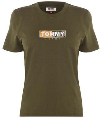 Tommy Jeans Camo Logo T-Shirt