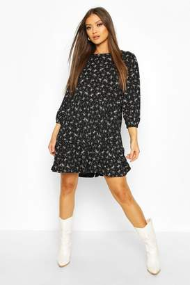 boohoo Tiered Smock Dress In Ditsy Floral