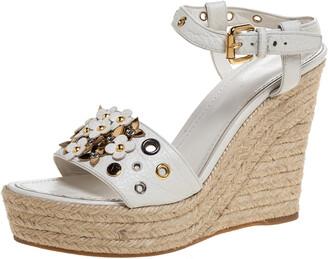 Louis Vuitton White Leather Flower Espadrilles Wedge Platform Ankle Strap Sandals Size 37