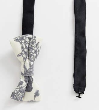Noose & Monkey Wedding Bow Tie in Flocked Linen-Cream